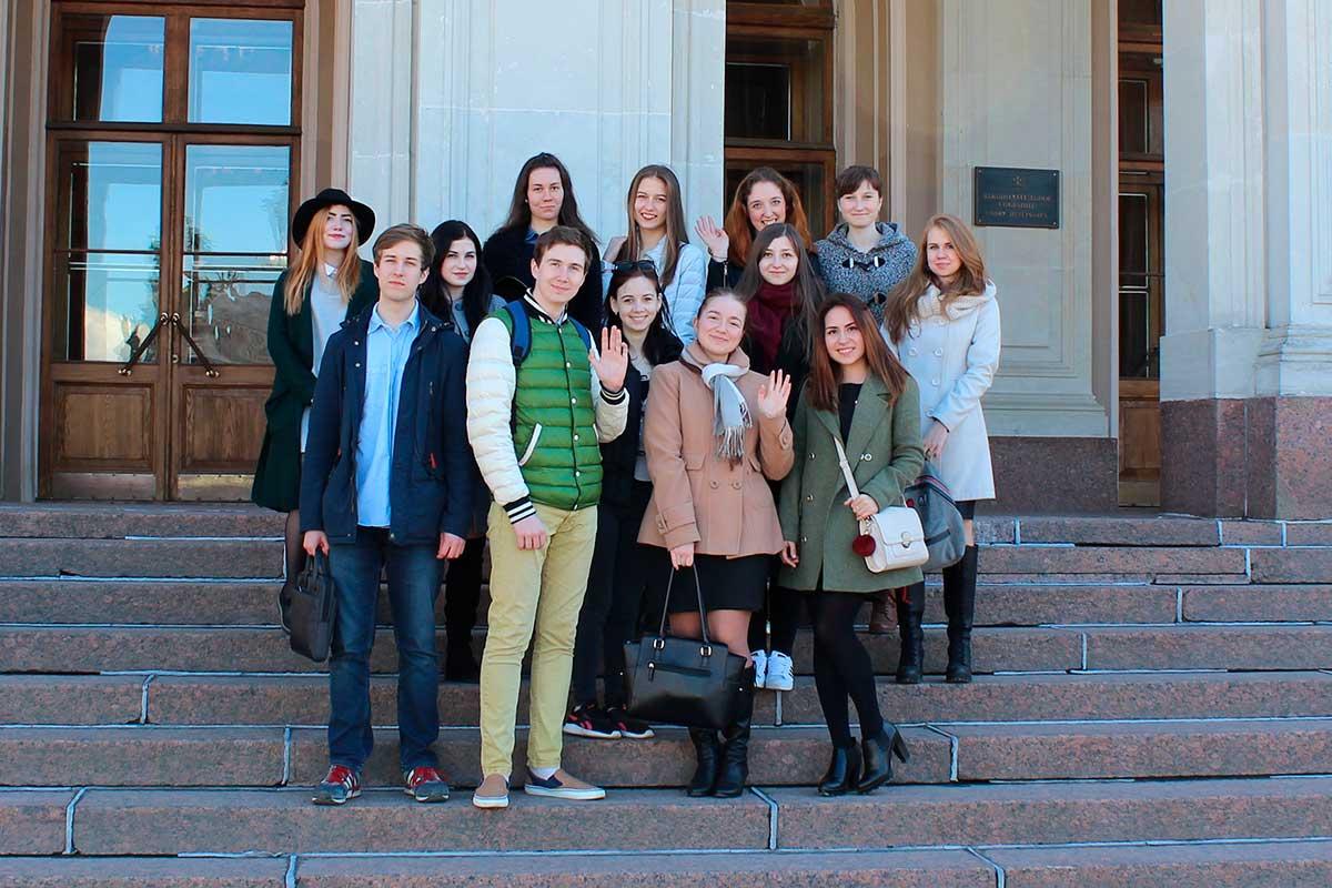 Выездные занятия для студентов в Законодательном Собрании Санкт-Петербурга