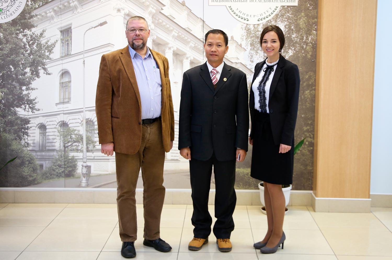 Высшая школа государственного и финансового управления приняла участие в переговорах о сотрудничестве с Университетом Бинь Зыонг (Вьетнам).