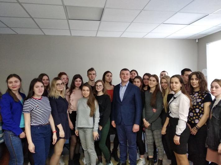 Посещение студентами ВИЭШ Местной администрации МО Васильевский