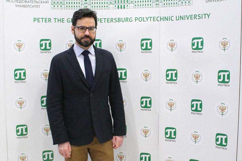 Высшую инженерно-экономическую школу посетил профессор Университета Глазго, доктор наук, PhD Марко Аваруччи.